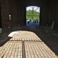 ворота в артиллерийском музее :: Елена