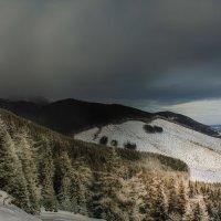 Вечерний взгляд на Высокие Татры...Словакия! :: Александр Вивчарик