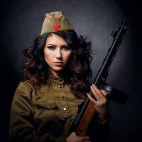 Девушка с ППШ :: Владимир Кочкин