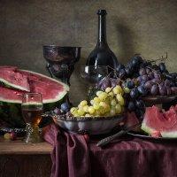Десерт с арбузом и виноградом :: Татьяна Карачкова