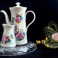 Кофейник и сливочник :: Нина Корешкова