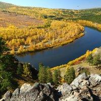 Вид на реку Ингода со скал урочища Сухотино в г.Чите. Осень. :: Александр Киргизов