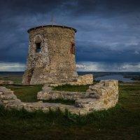 Крепостная башня :: Илья Остроградский