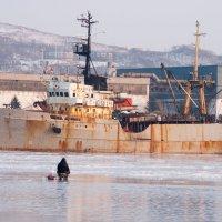 Два рыбака. :: Павел Бескороваев