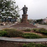 Памятник графу Воронцову в г. Бердянске :: Svetlana Lyaxovich