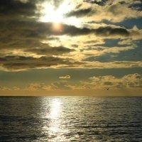Уж солнце клонится к закату :: valeriy khlopunov