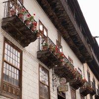 Знаменитый дом с балконом La Orotava :: Bogdan Snegureac