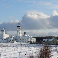 Иоанно-Богословский Савво-Крыпецкий монастырь :: Елена Павлова (Смолова)