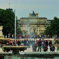 Арка на площади Каррузель из сада Тюильри :: Александр Корчемный