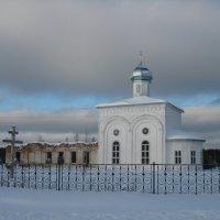 Восставшие из руин... :: Алексей Хохлов