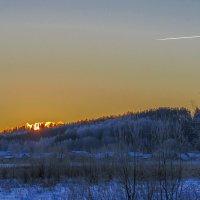 Из-за леса солнце поднималось :: Сергей Цветков