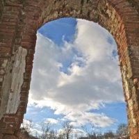 Руины конюшен павловского гарнизона :: Елена