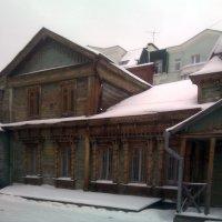 Старинное деревянное строение на ул. Полонского :: Tarka