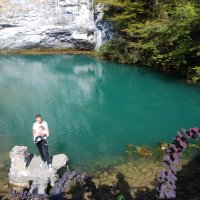 Голубое озеро. Абхазия. :: Нелли *