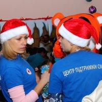 Кому подарки раздавала? :: Сергей Касимов