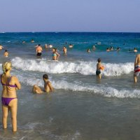 На пляже Айа Напы. :: Виктор Куприянов