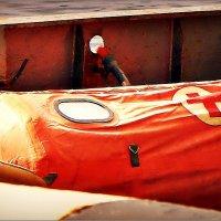 Красный крест в интерьере верхней палубы спасательного буксира :: Кай-8 (Ярослав) Забелин