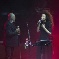 На сцене Шломи Шабат и Юваль Даян :: Eddy Eduardo
