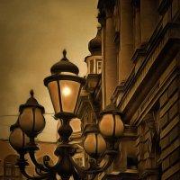 О чем вы мечтаете, стоя в ночи? О старом фонарщике... о, где ты? Приди......... :: Tatiana Markova