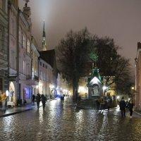 Ночной Таллинн в придверии 2017 года :: Александр Шалабай