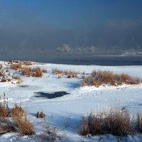 Морозным днём на Ангаре... :: Александр Попов