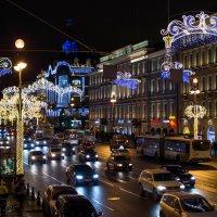 Новогоднее убранство Невского пр. :: Владимир Питерский