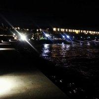 Отель Mulia Resort ночью :: Асылбек Айманов