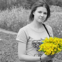 Девушка с цветами :: Сергей Владимирович Егоров