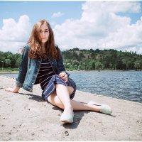 Девушка на набережной :: Александра