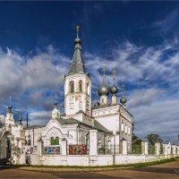 Храм в Годеново. :: Михаил Волков