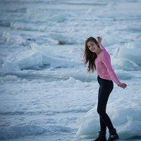 во льдах Амурского залива.. :: Олег Семенов