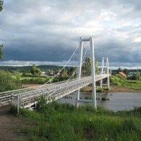 Пешеходный мост в Ильино-Подомском :: Алексей Хохлов