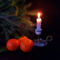 Зажги свечу под Новы год... :: Глаша