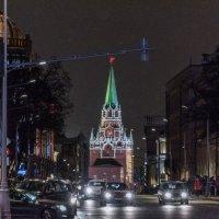 Москва новогодняя. :: Владимир Безбородов
