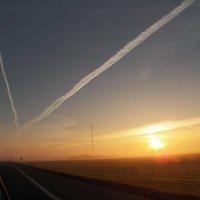 Утро туманное. Дороги земные и небесные. :: Регина Пупач