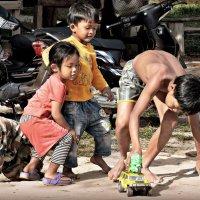Жизнь кхмерской деревни :: Tatiana Belyatskaya