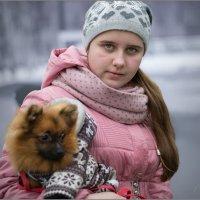 Девушка с собачкой :: Валентин Цапков