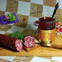 Два кусочечка колбаски.. :: Андрей Заломленков