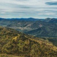Бескрайние горы Алтая :: Владимир Колесников