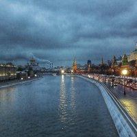 Вечер в городе :: Ирина Крохмаль