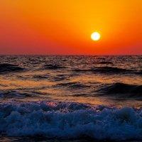 Море тоже волнуется... :: Лариса Журавлева