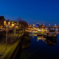 Река Маас и набережная Маастрихта, Голландия :: Witalij Loewin