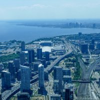 Вид на набережную и залив оз.Онтарио с телебашни CN (через стекло, Торонто) :: Юрий Поляков