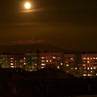 Город в полнолуние :: Андрей Малышев