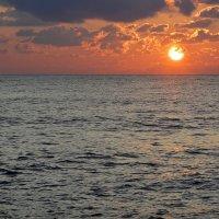 Закат на Чёрном Море... :: Дмитрий Петренко