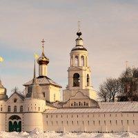 Зимнее утро Толгского монастыря :: Николай Белавин