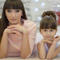Мама и дочь :: Oksana Korolёva