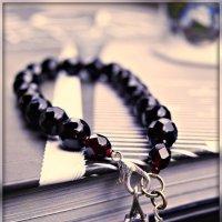 Гранатовый браслет :: Galina Belugina