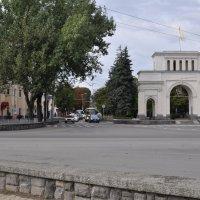 Тифлисские ворота - г Ставрополь :: Владимир