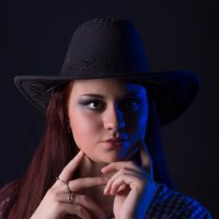 Девушка в шляпе :: Дмитрий Головин
